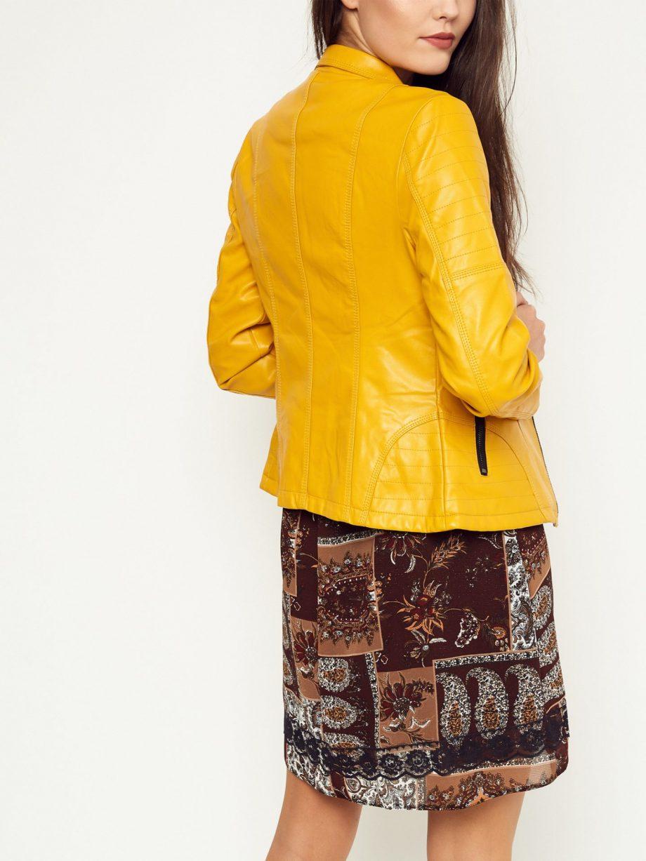 Na co zwracać uwagę, kupując damskie kurtki przejściowe?