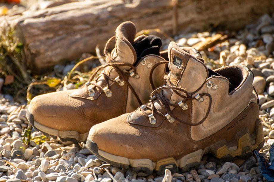 Dlaczego buty trekkingowe są tak ważne w górach?